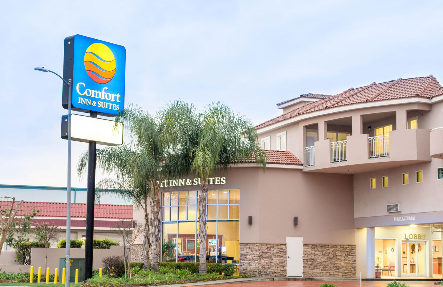 Comfort Inn Suites near Universal North Hollywood Burbank