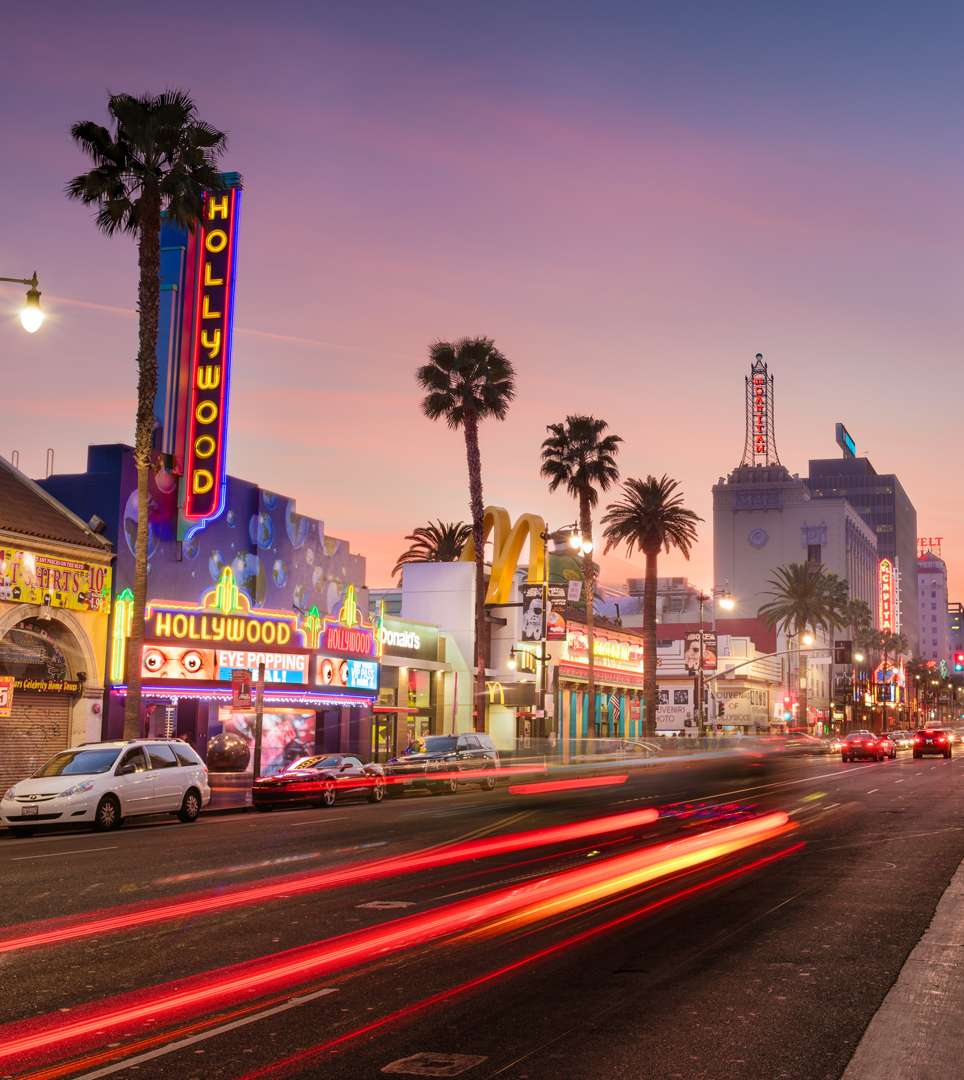 ENJOY ATTRACTIONS IN SOUTHERN CALIFORNIA   AS A GUEST OF COMFORT INN NORTH HOLLYWOOD