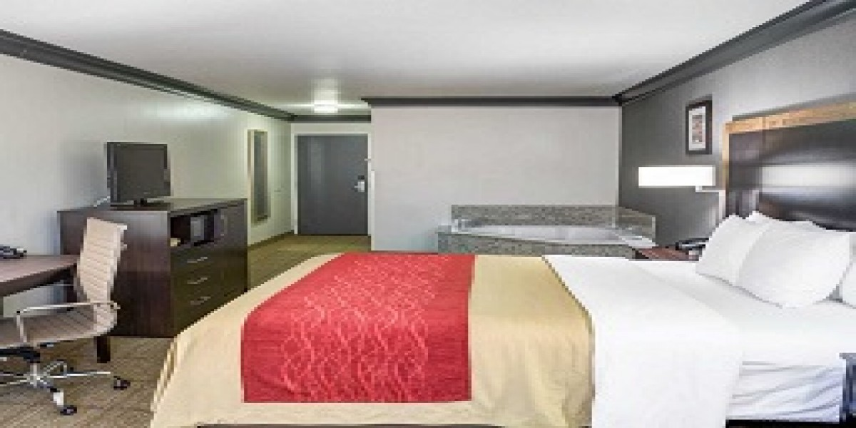 1 King Bed Suite, Accessible, No Smoking
