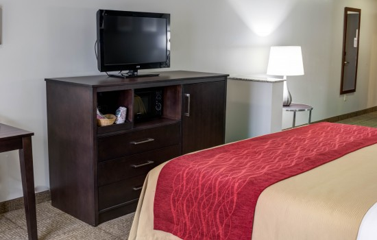 Comfort Inn Suites near Universal North Hollywood Burbank - TV and Dresser in the Deluxe King Room