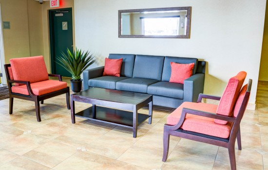 Comfort Inn Suites near Universal North Hollywood Burbank - Lobby Sitting Area