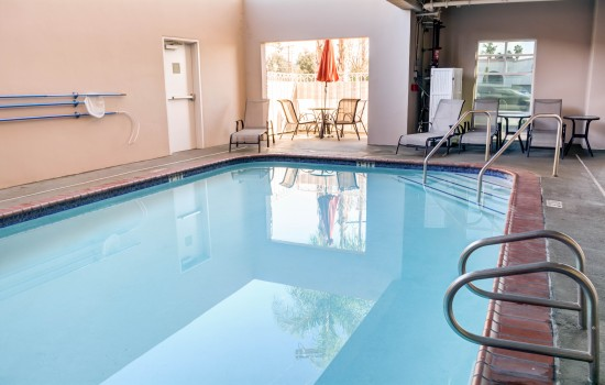 Comfort Inn Suites near Universal North Hollywood Burbank - Swimming Pool near Burbank